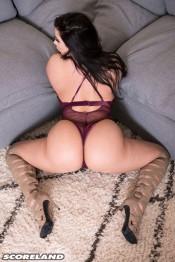 beauty babe korina kova sexy butt