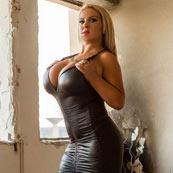 delia big tits webcam model