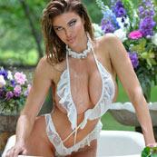 bikini model dana hamm