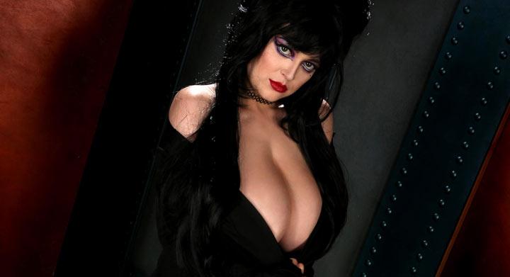 Tessa Fowler in Glam Vamp