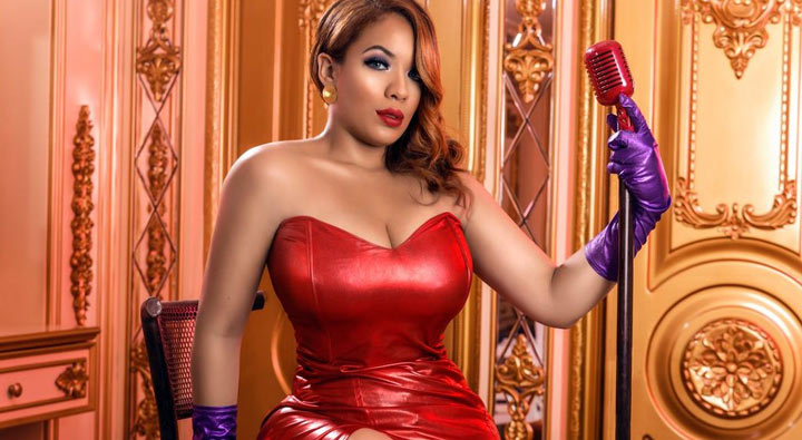 Beautiful Latino model Mery Glass
